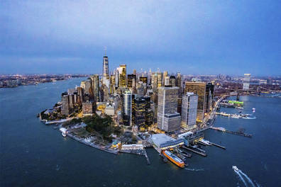 Couple's Private NYC Helicopter Sightseeing Experience with Champagne Toast