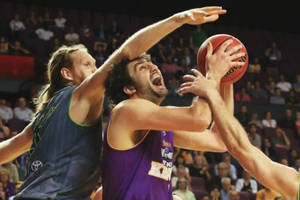 Group Basketball Session with Julian Khazzouh1