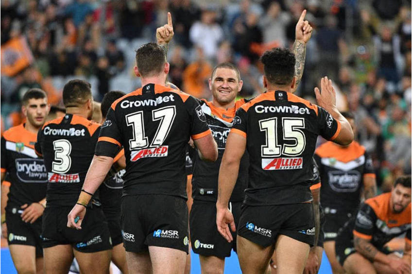 Wests Tigers WATERVIEW CHAIRMAN'S LOUNGE2