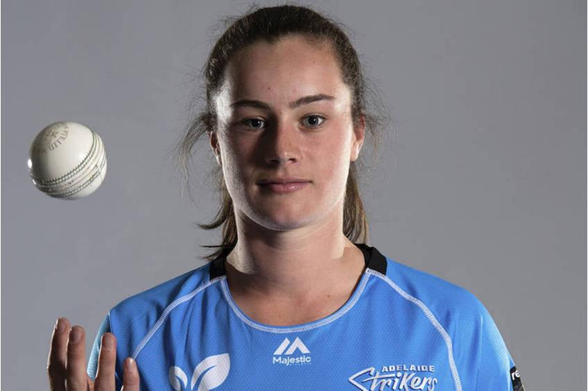 Ellie Falconer Cricket Training Experience2