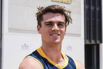 Aussie Rules Ben Keays EXPERIENCE