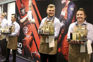 Melbourne Renegades Lounge Experience1