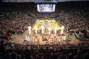 Sydney Kings Courtside Lounge for 10 people1
