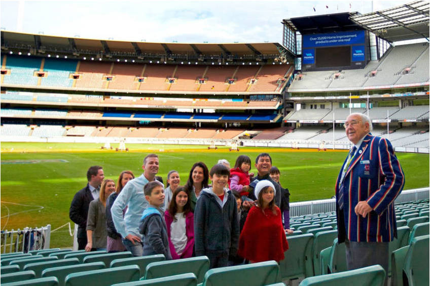 MCG TOUR EXPERIENCE WITH CRICKETER0