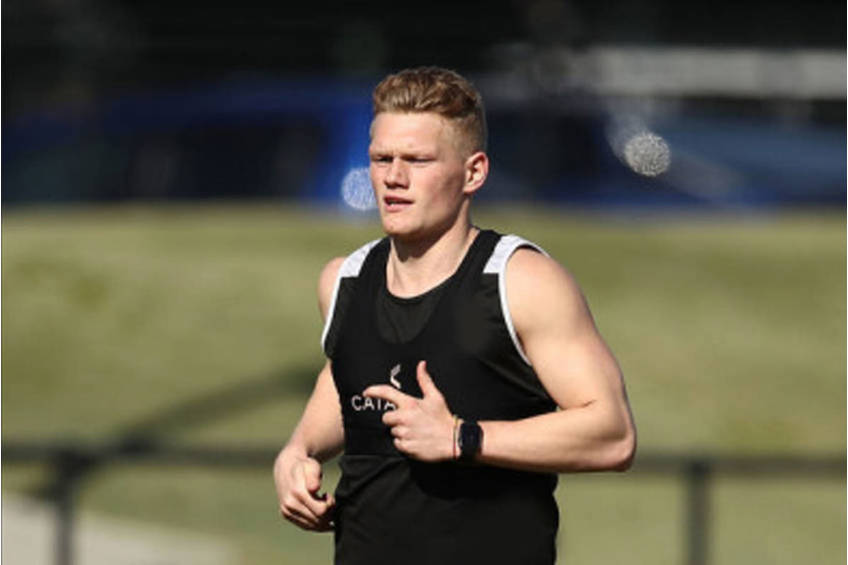 Treloar Personally delivers signed Guernsey2