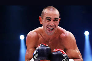 1 on 1 boxing session with Sam Soliman0