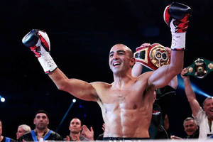 Train and be motivated with Aussie Boxer Sam Soliman0