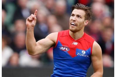 Kick-to-Kick with Melbourne Demon's AFL Player Jack Viney
